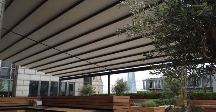 Une terrasse, c'est bien. Une terrasse couverte, c'est mieux!